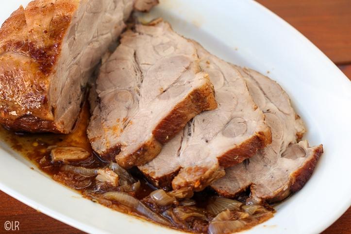 Mooi braadstuk van het varken, een stuk uit de schouder, ook wel procureur genoemd.