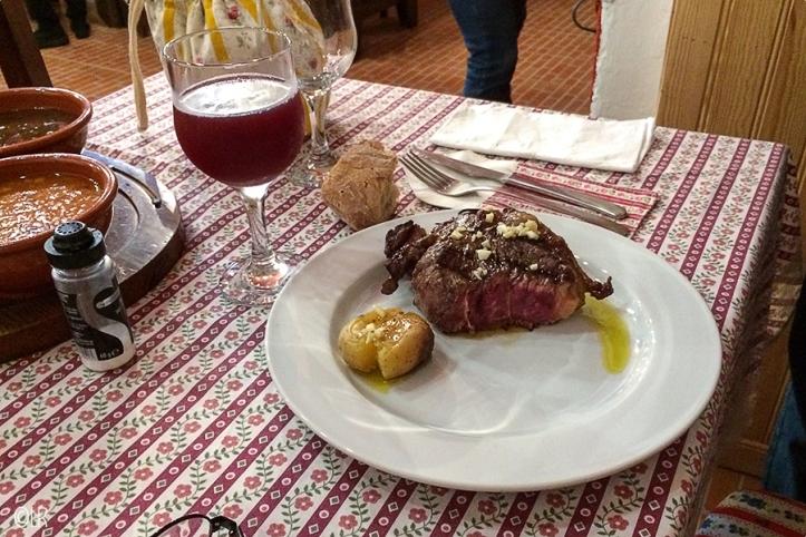 Prachtig stuk vlees van de grill, de biefstuk in Portugal