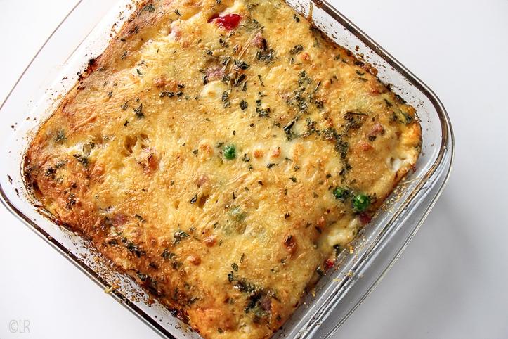 De zogenaamde Denver Omelet met groenten ham, en kaas uit de oven. Zowel warm als koud lekker.